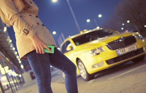 האם מוניות אובר (Uber) השיתופיות בדרך לישראל?